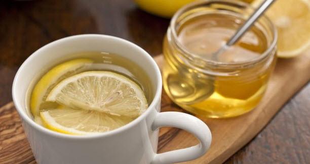 Cách giảm cân bằng mật ong nước ấm được đánh giá là đơn giản, dễ thực hiện, không mất nhiều thời gian, chi phí hay áp lực từ việc ăn uống