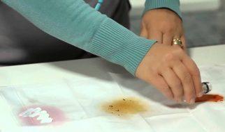 Tẩy vết cà phê trên quần áo trắng bằng giấm táo